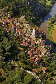 Saint Cirq Lapopie, Lot Valley, Midi-Pyrenees, France