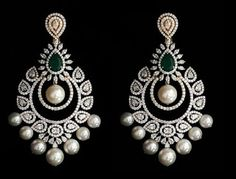 Ideas hair accessories pearl jewelry for 2019 Diamond Earrings Indian, Indian Jewelry Earrings, Diamond Necklace Set, Jewelry Design Earrings, Gold Earrings Designs, Gold Jewellery Design, Necklace Designs, Pearl Jewelry, Diamond Jhumkas