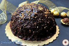 La torta rocher é una golosissima torta che per aspetto e gusto somiglia molto ai famosi cioccolatini omonimi. Ormai preparo la torta rocher