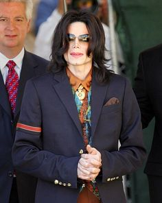Michael Jackson - The Michael Jackson Trial Continues