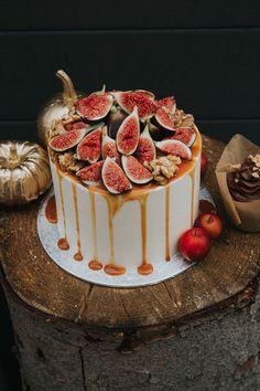 Herbstliche Hochzeitstorten & Sweets figcake Fotos: Pic Fabrik Torten: Juliliebe Blumen: Zaubernuss