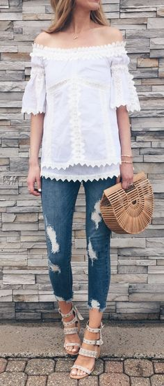 #spring #outfits The Sushi Roller They Turned Into A Handbag ☝🏼️. This Top Is 40% Off Right Now For Around $50 And Also Comes In A Pretty Blue. I Walked Around All Day In These Shoes Without Problems 👊🏼.