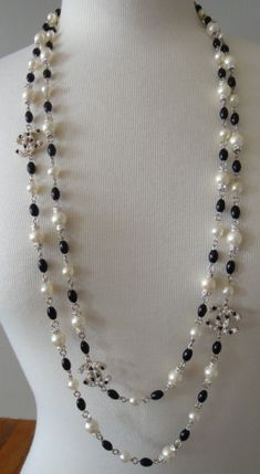 Chanel Gripoix pearl and onyx Sautoir necklace