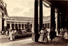 Inside the courtyard of the Petit Palais at the Exposition Universelle of Paris Concorde, Architecture Mapping, World's Fair, Belle Epoque, France, Paris, History, Image, Chefs