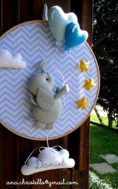 costurinhas DIY Craft Ideas diy craft ideas for mother's day Baby Shawer, Felt Baby, Baby Love, Baby Crafts, Felt Crafts, Diy And Crafts, Baby Mobile, Baby Boy Rooms, Felt Toys