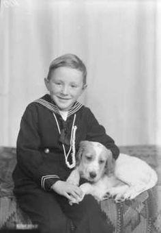 Jan Lilletrøen med hund. Norway. 1949