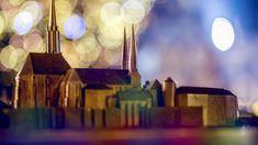 Radetzky und Franz Josef Advent feierten hier schon Advent Olmütz, die einstige Hauptstadt Mährens, ist jene Metropole, die nach Prag das zweitgrößte Denkmalschutzgebiet im ganzen Land aufzuweisen hat. Leben Kaiser Franz Josef, Franz Josef I, Advent, Prague, Incense, Table Lamp, Lighting, Spaces, Home Decor