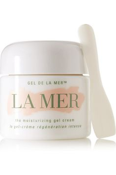 La Mer's 'Moisturizing Gel Cream' has all the amazing benefits of the original cream, but in a lightweight gel-like texture. Infused with the brand's signature Miracle Broth™, it refreshes and hydrates for more radiant skin. Reach for it if you have combination to oily skin or live in warmer temperatures.