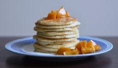 Relish it: Owsiane pancakes z karmelizowanym kaki
