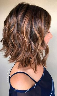 Balayage, Curly Lob Hairstyles - Shoulder Length Hair Cuts for Women and Girls - My list of women's hair styles Medium Hair Cuts, Medium Hair Styles, Curly Hair Styles, Haircut Medium, Haircut Bob, Haircut Styles, Waves Haircut, Long Bob Hair Cuts, Brunette Haircut