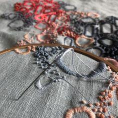"""""""Coral"""" Obra en proceso. ⠀ Técnica ➝ Bordado a mano Soporte ➝ Lino 100% Año ➝ 2019. ⠀ ⠀ Foto ➝ @ximenamorande . ⠀ ⠀ ⠀ ⠀ ⠀ ⠀ ⠀ ⠀ ⠀ ⠀ ⠀ ⠀ ⠀… Coral, Textiles, The 100, Hand Embroidery, Cloths, Fabrics"""