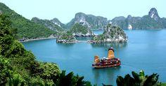 Sillonnez la baie de Ha Long, cette étendue d'eau vietnamienne aux paysages légendaires | SooCurious