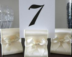 Rustic Chic Burlap Table Number Holders di ReservedSeating