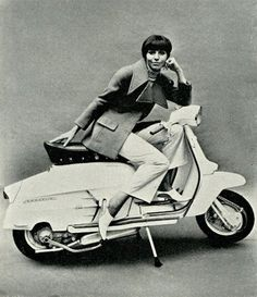 Old Style - The Mod Generation Scooter Custom, Mod Scooter, Lambretta Scooter, Vespa Scooters, Vespa Girl, Scooter Girl, Vespa Illustration, Pedal Tractor, Mod Girl