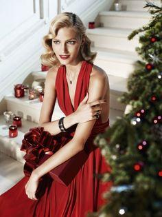 Anja Rubik for ApartMerry Christmas…Wesołych Świąt! Anja Rubik, Elegant Christmas, Green Christmas, Merry Christmas, Christmas Mood, Xmas, Southern Christmas, Christmas Photos, Beautiful Christmas