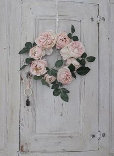 Whites and Pinks - vintage door and wreath of roses #shabby