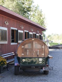 """I must have  this! The """"Party Wagon"""" is closed up and ready for the road!    Roseview Dressage, Millbrook, NY.  http://pinterest.com/RosevieDressage/"""