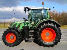 Fendt produces tractors like this, the 720 VARIO SCR PROFI. More pics on http://www.agriaffaires.de/gebrauchte/traktor/1/4032/fendt.html