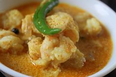 Dip your luchis in some creamy malai prawn curry! Coconut Sauce, Coconut Milk Curry, Prawn Curry, Chilli Paste, Fresh Ginger, Curry Recipes, Allrecipes, Easy Meals, Dishes