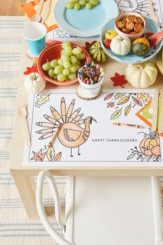 Here's a fun idea for the kids at Thanksgiving: Thanksgiving crafts for the kids table! These easy DIY crafts will keep them occupied during any Thanksgiving party. Check out the FREE printables, and get the kids crafting this holiday! Thanksgiving Table Runner, Thanksgiving Crafts For Kids, Thanksgiving Parties, Thanksgiving Activities, Happy Thanksgiving, All You Need Is, Kid Table, Easy Diy Crafts, Diy For Kids