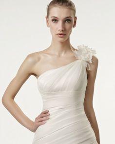 Tendências #Noivas 2014 - Vestidos de uma alsa #AireVintage #casarcomgosto #flores