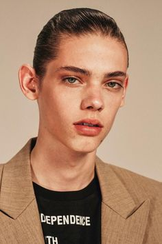 justdropithere: Erin Mommsen by Collier Schorr - Re-Edition...