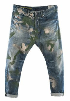 Diesel - Men's Collection - Fashion Apparel, Jeans, Underwear, Sunglasses, Shoes and Watches ICI Diesel Jeans, Rare Clothing, Denim Art, Painted Jeans, Mens Trends, Denim Jeans Men, Blue Jeans, Mode Outfits, Mode Style