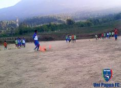 Latihan Uni Papua FC Salatiga  Hari ini Senin, 02 Nopember 2015  Passing Control Shooting Penempatan posisi  #GreenMerbabu #Savemerbabu #gogreen #PrayForMerbabu  #UniPapuaFootball #UniPapuaFc #Papua #Indonesia