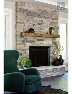 Clair Ledge Stone Natursteinfurnier Source by stoneselex The post Stein Selex St. Clair Ledge Stone Natursteinfurnier appeared first on My Art My Home. Simple Fireplace, Fireplace Update, Home Fireplace, Fireplace Remodel, Living Room With Fireplace, Brick Fireplace, Fireplace Surrounds, Fireplace Mantels, Living Room Decor