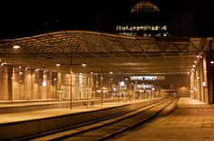 1280px-Braga_Train_Station_at_night.jpg (1280×851)
