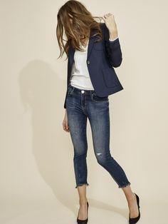 Tapered High Rise Jeans | Skjorte, Minimalistisk og Knapper