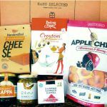 Delicious food products from Crete, Attica and Thessaloniki in one box. Food Box, Thessaloniki, Mediterranean Recipes, Crete, Recipe Box, Delicious Food, Honey, Snacks, Healthy