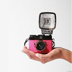 Look pretty in pink with this 35mm version of our dreamy Diana F+