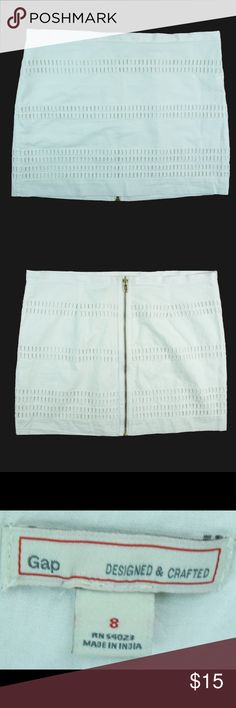 """GAP White Cotton Mesh Embroidered Back Zip Mini Great condition. This white mesh embroidered mini from The Gap features a back center zipper closure and is fully lined. Micro Mini length. Made of a cotton blend. Measures: Waist: 34"""", hips: 38"""", total length: 14.5"""" GAP Skirts Mini"""