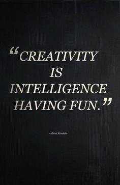 Kreativität: Ich arbeite sehr gerne kreativ. Ich spiele gern mit Wörtern, texte gerne und arbeite gerne Konzepte aus.