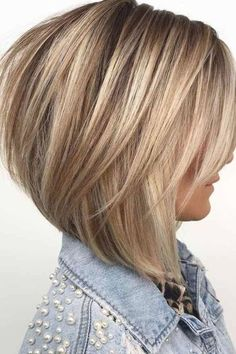 Medium Hair Styles, Curly Hair Styles, Hair Medium, Bobs For Thin Hair, Layered Bob Hairstyles, Hairstyles Haircuts, Bob Style Haircuts, Stacked Bob Hairstyles, Haircut Styles