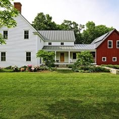 Country Farmhouse Exterior Design Ideas, Pictures, Remodel and Decor