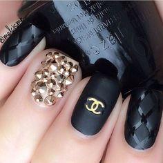 #Chanel ✔️via @melcisme  #nail #nailart #nails #glitternails #summernails #summer #australia #sydney #salon #hair #hairdresser #dopenails #lovemakeupnails #iphone #newyork #morphebrushes #anastasiabeverlyhills #lashes #sparkles #lips #lipstick #aruba #italy #costarica #gucci #kimkardashian #hair #hairdo #anastasiabeverlyhills #norvina