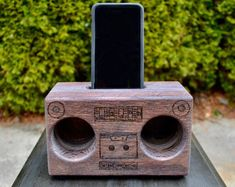 Dieser Artikel ist nicht verfügbar | Etsy Boombox, Wood Construction, Facetime, Old School, Solid Wood, Bookends, Old Things, Snail, Etsy