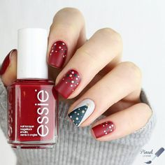 Oh Christmas tree, Oh Christmas tree! This holiday season adorn your nails with a festive nail art look. Recreate this look by @pinselpoesie using the essie winter 2016 collection. (Want more nail art ideas? Visit: http://www.essie.com/essie-looks.aspx)!