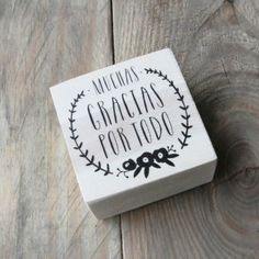 """Sello """"Muchas gracias por todo"""" Valentine Day Love, Thank You Notes, Sweet 16, Wedding Favors, Happy Birthday, Thankful, Place Card Holders, Branding, Stamp"""