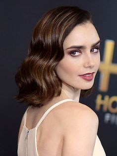 peinados_maquillaje_navidad_lily_collins_1a