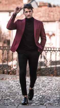 plain shirt with maroon blazer for his casual in 2019 Blazers For Men Casual, Business Casual Men, Flannels For Men, Trendy Suits For Men, Blue Blazers, Best Suits For Men, Stylish Men, Mens Fashion Blazer, Men Blazer