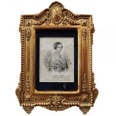 Antiga litogravura retratando a figura de D. Maria Amélia Princesa do Brasil. Rica moldura