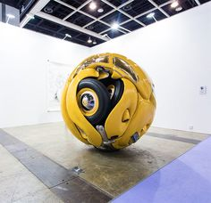 Volkswagen 1953 Beetle Sphere Sculpture by Ichwan Noor in Art Basel Hong Kong Art Basel Hong Kong, Hong Kong Art, Instalation Art, Vw Vintage, Saatchi Gallery, Vw Beetles, Beetle Bug, Mellow Yellow, Yellow Car
