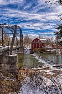 War Eagle Mill in NW Arkansas---- by Michael Buffington Little Rock, Places To Travel, Places To See, Travel Destinations, Mississippi, Oklahoma, Arkansas Vacations, Arkansas Usa, Eureka Springs
