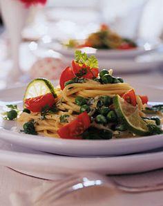 Spaghetti mit Erbsen und Limettensauce - Rezepte - [LIVING AT HOME]