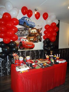 Red tablecloth under checkered tablecloth; red and black balloons in tires Pixar Cars Birthday, Race Car Birthday, Race Car Party, 1st Boy Birthday, 2nd Birthday Party Themes, Cars Birthday Parties, Birthday Party Decorations, Auto Party, Car Themed Parties