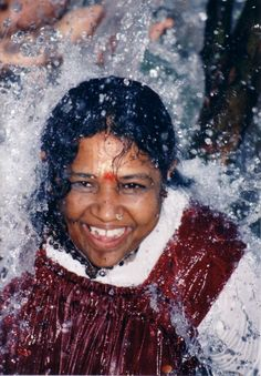 After the tsunami, many children were afraid of water. Amma has encouraged these children to swim and have fun in the ocean.
