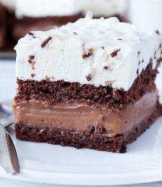Čokoládový tortu so straciatella smotanou - I Love Bake Frosting Recipes, Cupcake Recipes, Baking Recipes, Dessert Recipes, Sweet Desserts, Sweet Recipes, Icebox Cake, Pastry Cake, Yummy Cookies